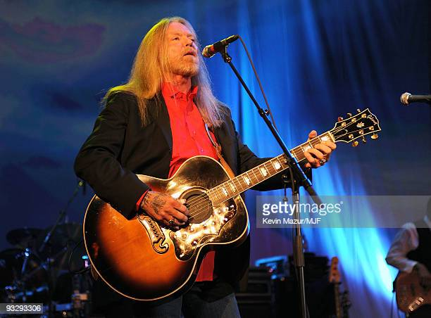* EXCLUSIVE * Musician Gregg Allman performs onstage during The Michael J Fox Foundation�s 2009 Benefit 'A Funny Thing Happened on the Way to Cure...