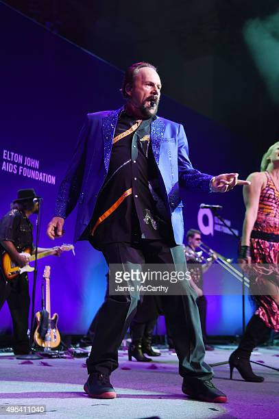 Musician Harry Wayne 'KC' Casey of KC and The Sunshine Band performs onstage at Elton John AIDS Foundation's 14th Annual An Enduring Vision Benefit...