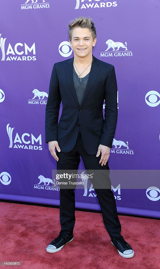 Musician Hunter Hayes arrives at the 47th Annual Academy Of Country Music Awards held at the MGM Grand Garden Arena on April 1, 2012 in Las Vegas, Nevada.