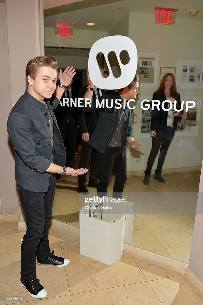 Musician <a gi-track='captionPersonalityLinkClicked' href=/galleries/search?phrase=Hunter+Hayes&family=editorial&specificpeople=3290701 ng-click='$event.stopPropagation()'>Hunter Hayes</a> attends the Warner Music Group annual GRAMMY celebration at Sunset Tower on January 26, 2014 in West Hollywood, California.