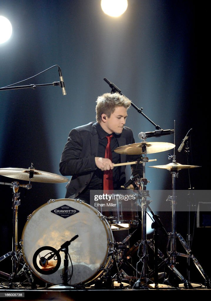 Musician <a gi-track='captionPersonalityLinkClicked' href=/galleries/search?phrase=Hunter+Hayes&family=editorial&specificpeople=3290701 ng-click='$event.stopPropagation()'>Hunter Hayes</a> performs onstage during the 48th Annual Academy of Country Music Awards at the MGM Grand Garden Arena on April 7, 2013 in Las Vegas, Nevada.