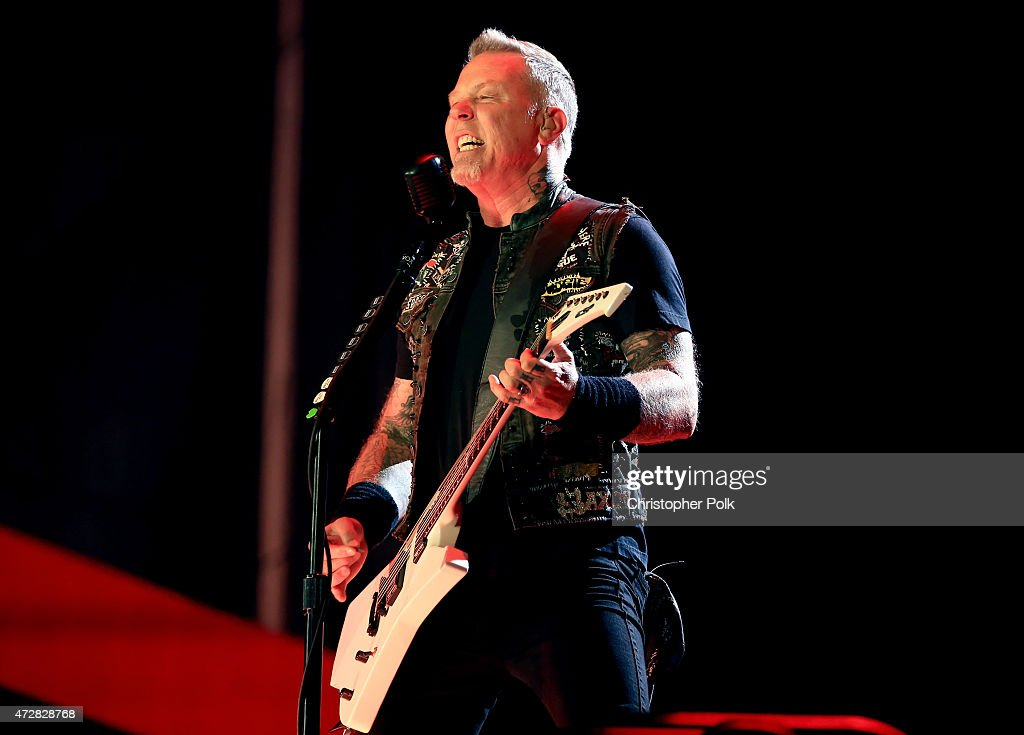 Musician <a gi-track='captionPersonalityLinkClicked' href=/galleries/search?phrase=James+Hetfield&family=editorial&specificpeople=178297 ng-click='$event.stopPropagation()'>James Hetfield</a> of Metallica performs onstage during Rock in Rio USA at the MGM Resorts Festival Grounds on May 9, 2015 in Las Vegas, Nevada.