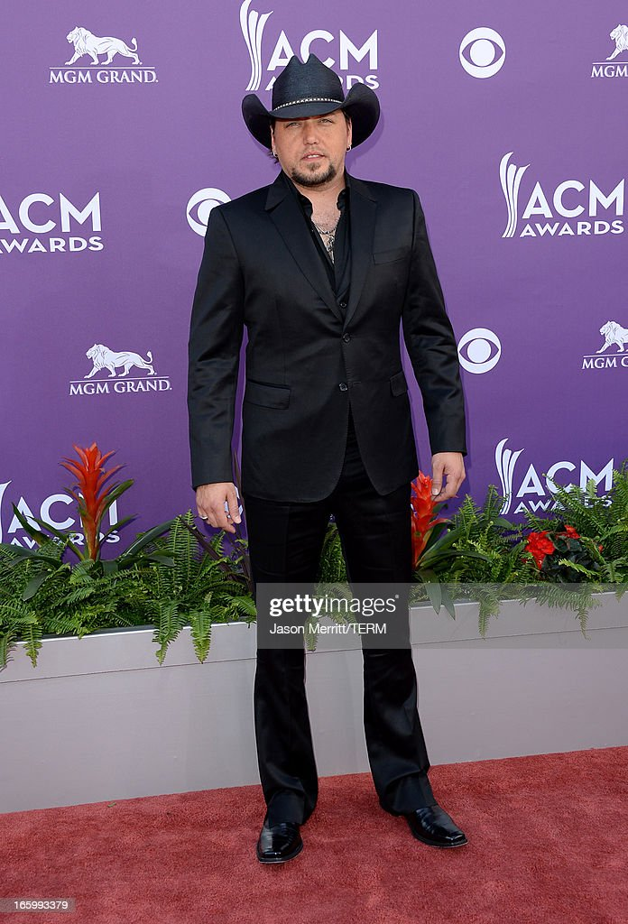 Musician Jason Aldean arrives at the 48th Annual Academy of Country Music Awards at the MGM Grand Garden Arena on April 7, 2013 in Las Vegas, Nevada.