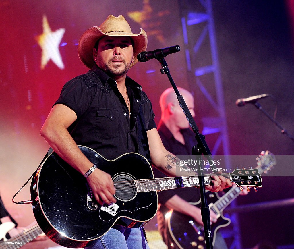 Musician Jason Aldean performs on Dick Clark's New Year's Rockin' Eve at CBS studios on December 31, 2012 in Los Angeles, California.