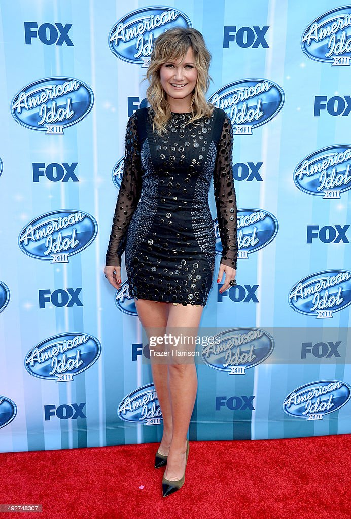Musician <a gi-track='captionPersonalityLinkClicked' href=/galleries/search?phrase=Jennifer+Nettles&family=editorial&specificpeople=619734 ng-click='$event.stopPropagation()'>Jennifer Nettles</a> attends Fox's 'American Idol' XIII Finale at Nokia Theatre L.A. Live on May 21, 2014 in Los Angeles, California.