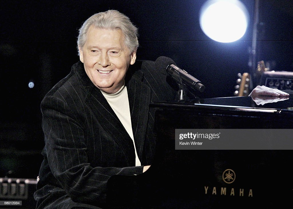 Musician Jerry Lee Lewis performs on stage during the 'I Walk The Line: A Night For Johnny Cash' musical tribute at the Pantages Theatre on October 25, 2005 in Los Angeles, California.