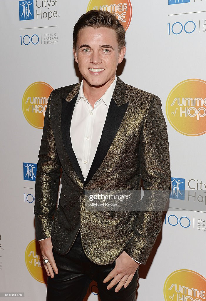 Musician <a gi-track='captionPersonalityLinkClicked' href=/galleries/search?phrase=Jesse+McCartney&family=editorial&specificpeople=204133 ng-click='$event.stopPropagation()'>Jesse McCartney</a> attends the City Of Hope Spirit Of Life Gala Honoring Rob Light on September 19, 2013 in Playa Vista, California.