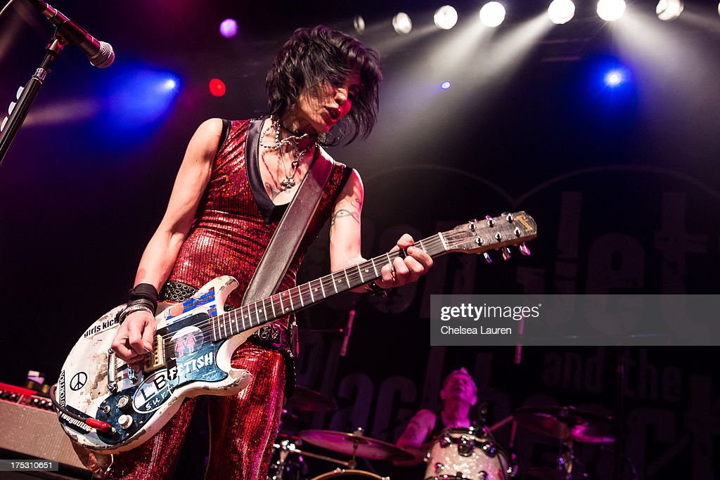 Musician <a gi-track='captionPersonalityLinkClicked' href=/galleries/search?phrase=Joan+Jett&family=editorial&specificpeople=213317 ng-click='$event.stopPropagation()'>Joan Jett</a> performs at the 6th annual Sunset Strip Music Festival launch party honoring <a gi-track='captionPersonalityLinkClicked' href=/galleries/search?phrase=Joan+Jett&family=editorial&specificpeople=213317 ng-click='$event.stopPropagation()'>Joan Jett</a> at House of Blues Sunset Strip on August 1, 2013 in West Hollywood, California.