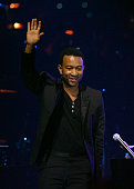 Musician John Legend performs onstage during the 2008 Latin Recording Academy Person of the Year awards tribute to Gloria Estefan held at the George...