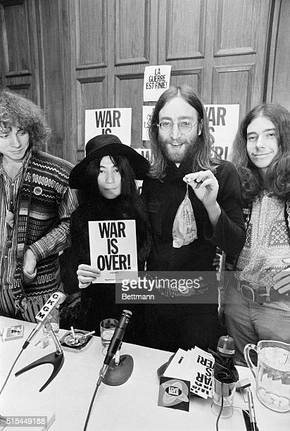 Musician John Lennon and wife Yoko Ono at a Vietnam War peace conference in Montreal in 1969 Lennon held a 'bag of laughter' or a bag that emits...