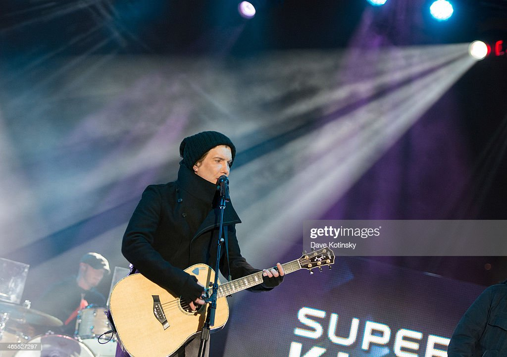Musician <a gi-track='captionPersonalityLinkClicked' href=/galleries/search?phrase=John+Rzeznik&family=editorial&specificpeople=220876 ng-click='$event.stopPropagation()'>John Rzeznik</a> of Goo Goo Dolls performs at Liberty State Park on January 27, 2014 in Jersey City, New Jersey.