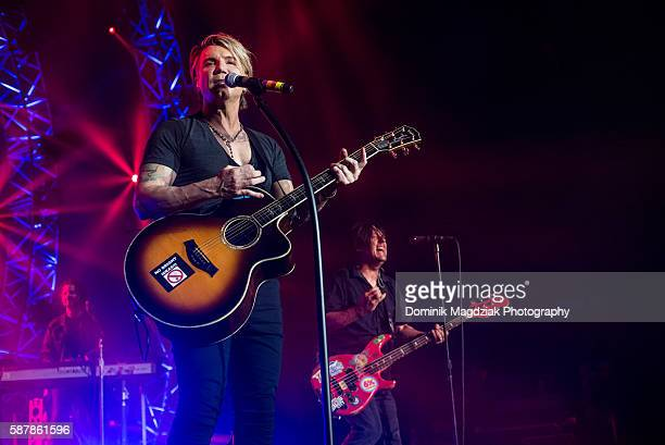 Musician John Rzeznik of Goo Goo Dolls performs on stage during the 'Boxes' tour at the Molson Amphitheatre on August 9 2016 in Toronto Canada