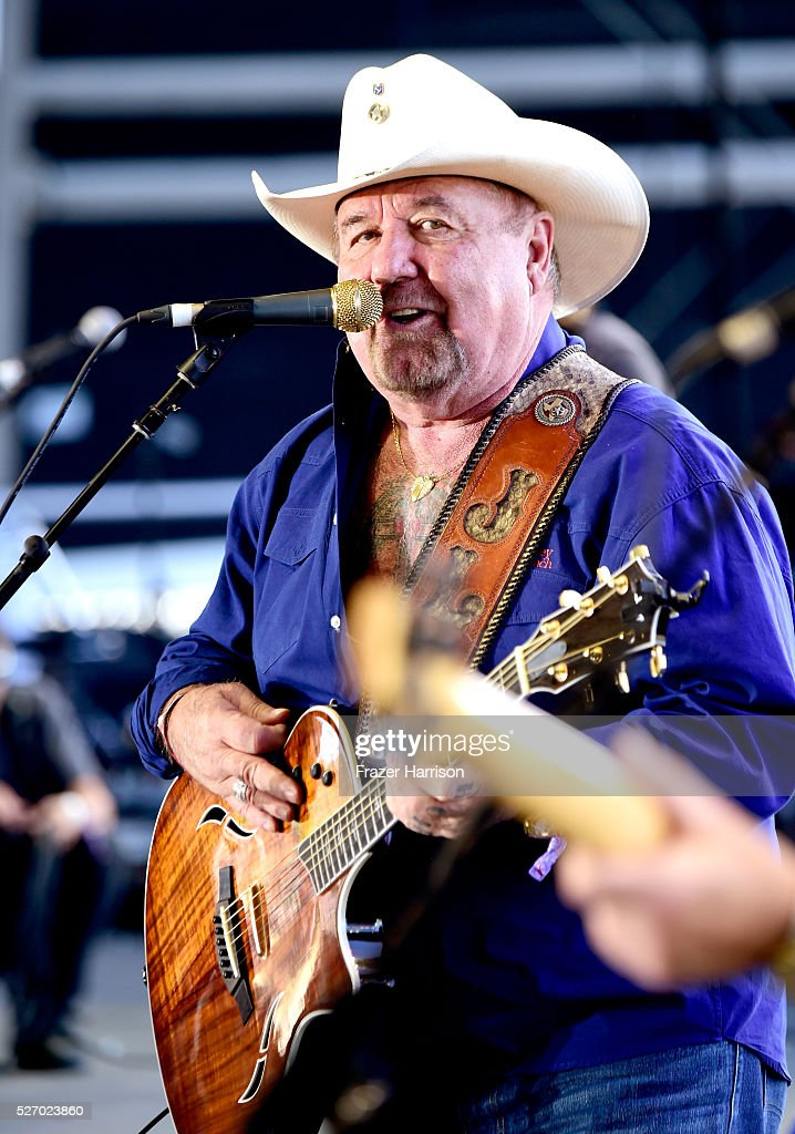 Musician <a gi-track='captionPersonalityLinkClicked' href=/galleries/search?phrase=Johnny+Lee&family=editorial&specificpeople=3129627 ng-click='$event.stopPropagation()'>Johnny Lee</a> performs onstage during 2016 Stagecoach California's Country Music Festival at Empire Polo Club on May 01, 2016 in Indio, California.