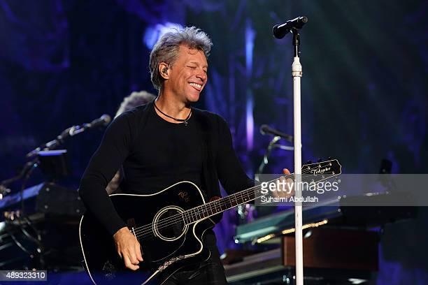 Musician Jon Bon Jovi of Bon Jovi performs live on stage on Day 3 at the Singapore Formula One Grand Prix at Marina Bay Street Circuit on September...