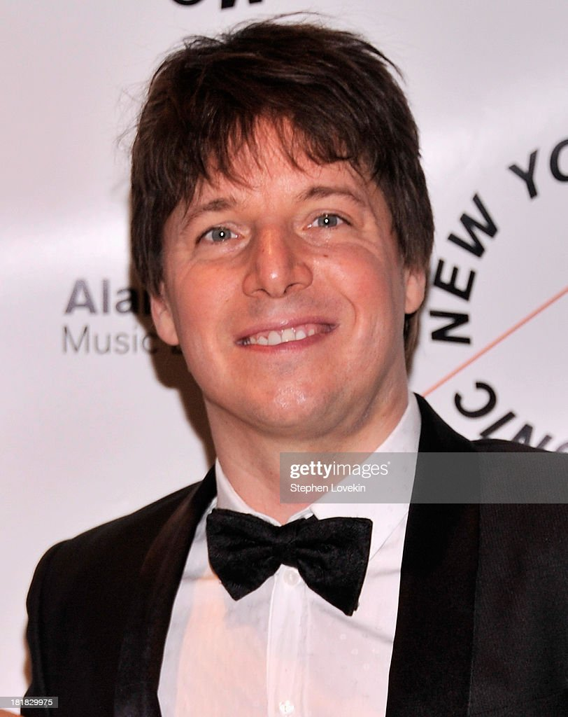 Musician <a gi-track='captionPersonalityLinkClicked' href=/galleries/search?phrase=Joshua+Bell+-+Musiker&family=editorial&specificpeople=556072 ng-click='$event.stopPropagation()'>Joshua Bell</a> attends The New York Philharmonic 172nd Season Opening Night Gala at Avery Fisher Hall, Lincoln Center on September 25, 2013 in New York City.
