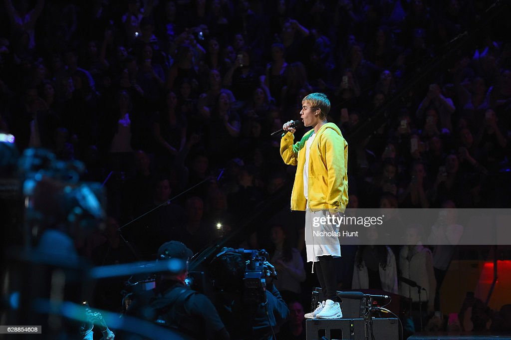 Musician Justin Bieber performs onstage during Z100's Jingle Ball 2016 at Madison Square Garden on December 9, 2016 in New York, New York.