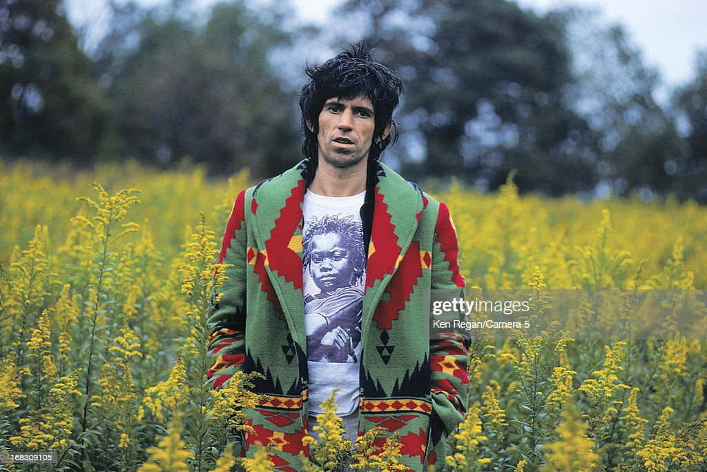 Musician <a gi-track='captionPersonalityLinkClicked' href=/galleries/search?phrase=Keith+Richards+-+Musician&family=editorial&specificpeople=202882 ng-click='$event.stopPropagation()'>Keith Richards</a> of the <a gi-track='captionPersonalityLinkClicked' href=/galleries/search?phrase=Rolling+Stones&family=editorial&specificpeople=85170 ng-click='$event.stopPropagation()'>Rolling Stones</a> is photographed at home in 1977 in Weston, Connecticut.