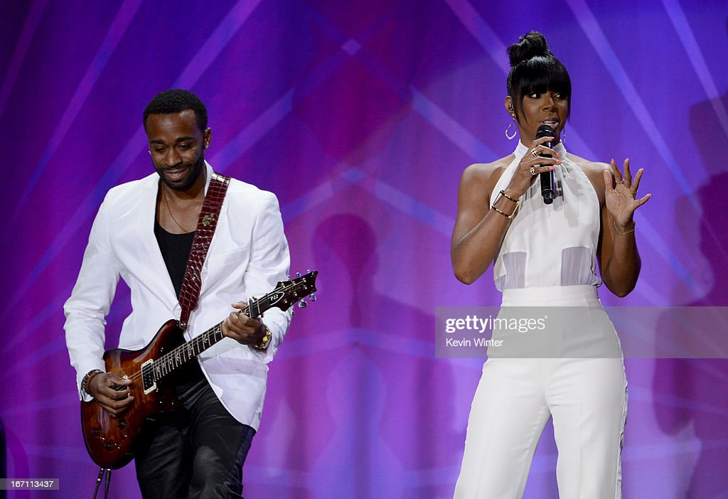 Musician <a gi-track='captionPersonalityLinkClicked' href=/galleries/search?phrase=Kelly+Rowland&family=editorial&specificpeople=201760 ng-click='$event.stopPropagation()'>Kelly Rowland</a> performs at the 24th Annual GLAAD Media Awards presented by Ketel One and Wells Fargo at JW Marriott Los Angeles at L.A. LIVE on April 20, 2013 in Los Angeles, California.