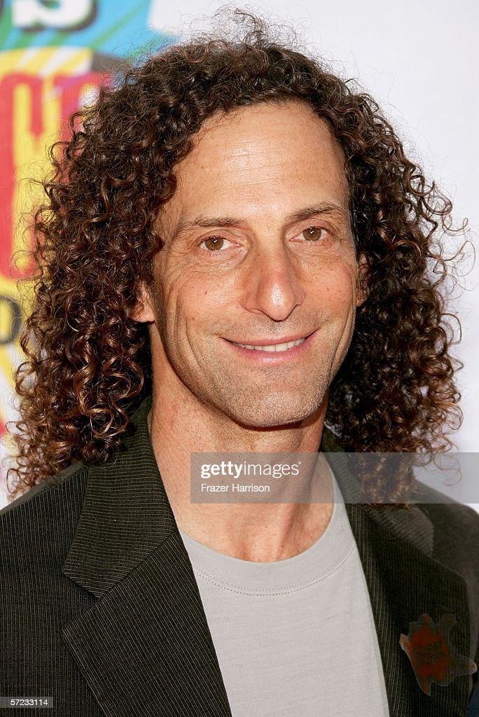 Musician Kenny G arrives at the 19th Annual Kid's Choice Awards held at UCLA's Pauley Pavilion on April 1, 2006 in Westwood, California.