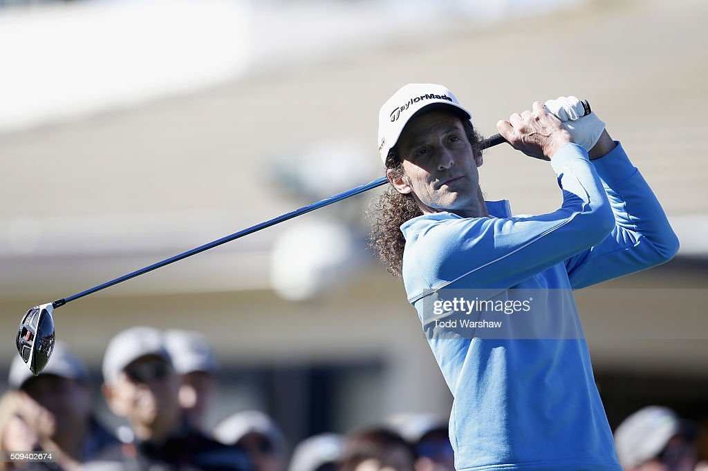 Musician <a gi-track='captionPersonalityLinkClicked' href=/galleries/search?phrase=Kenny+G&family=editorial&specificpeople=211357 ng-click='$event.stopPropagation()'>Kenny G</a> tees off on the 1st hole during the 3M Celebrity Challenge prior to the AT&T Pebble Beach National Pro-Am at Pebble Beach Golf Links on February 10, 2016 in Pebble Beach, California.