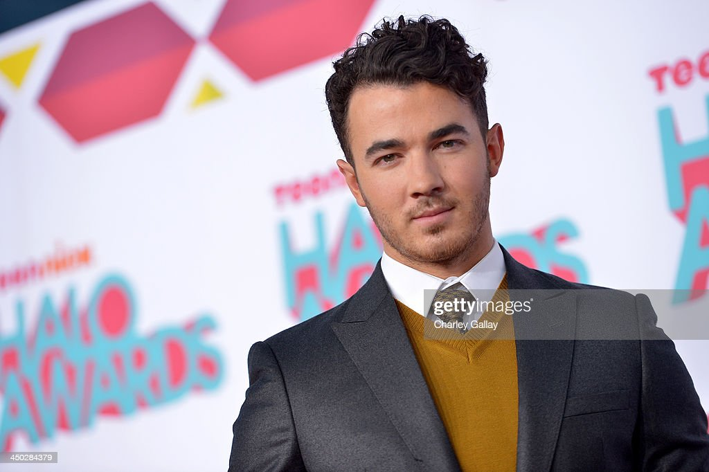 Musician <a gi-track='captionPersonalityLinkClicked' href=/galleries/search?phrase=Kevin+Jonas&family=editorial&specificpeople=709547 ng-click='$event.stopPropagation()'>Kevin Jonas</a> arrives at the 5th Annual TeenNick HALO Awards at Hollywood Palladium on November 17, 2013 in Hollywood, California.