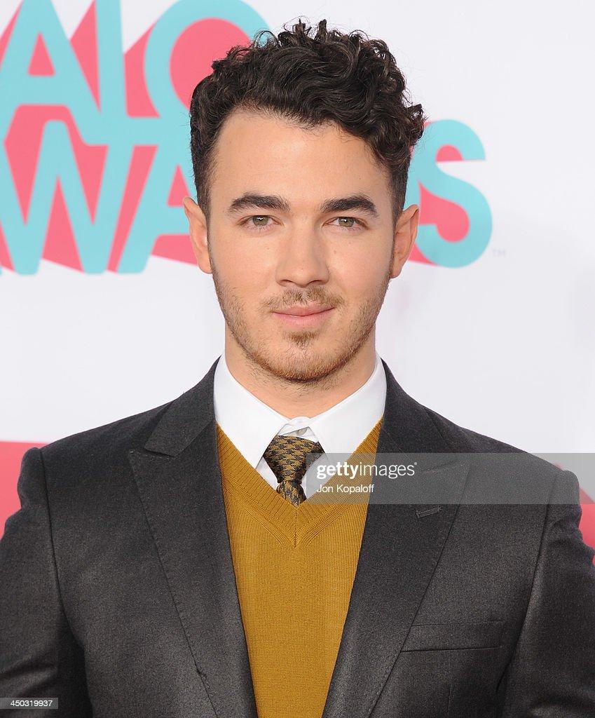 Musician Kevin Jonas of The Jonas Brothers arrives at the 2013 TeenNick HALO Awards at Hollywood Palladium on November 17, 2013 in Hollywood, California.