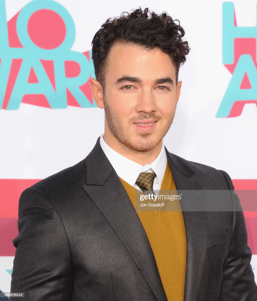 Musician Kevin Jonas of The Jonas Brothers arrives at the 2013 TeenNick HALO Awards at Hollywood Palladium on November 17, 2013 in Hollywood, California.