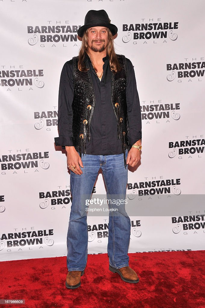Musician <a gi-track='captionPersonalityLinkClicked' href=/galleries/search?phrase=Kid+Rock&family=editorial&specificpeople=171123 ng-click='$event.stopPropagation()'>Kid Rock</a> attends the 2013 Barnstable-Brown Derby gala at Barnstable-Brown House on May 3, 2013 in Louisville, Kentucky.