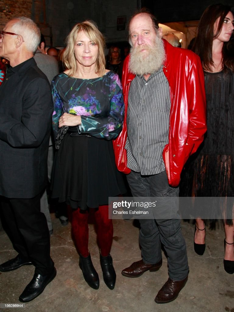 Musician <a gi-track='captionPersonalityLinkClicked' href=/galleries/search?phrase=Kim+Gordon&family=editorial&specificpeople=683747 ng-click='$event.stopPropagation()'>Kim Gordon</a> and artist Lawrence Weiner attend the 2012 Dia Art Foundation's Gala at Dia Art Foundation on November 12, 2012 in New York City.
