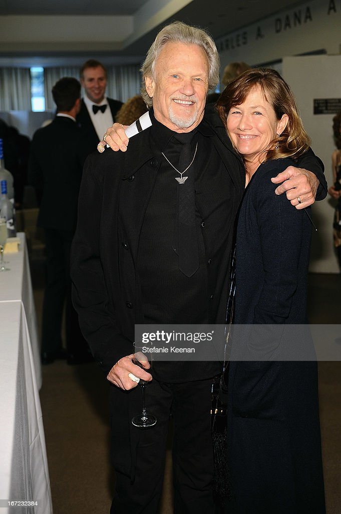 Musician <a gi-track='captionPersonalityLinkClicked' href=/galleries/search?phrase=Kris+Kristofferson&family=editorial&specificpeople=206202 ng-click='$event.stopPropagation()'>Kris Kristofferson</a> and Lisa Kristofferson attend the Grey Goose cocktail reception of The Film Society of Lincoln Center's 40th Chaplin Award Gala at Avery Fisher Hall, Lincoln Center on April 22, 2013 in New York City.