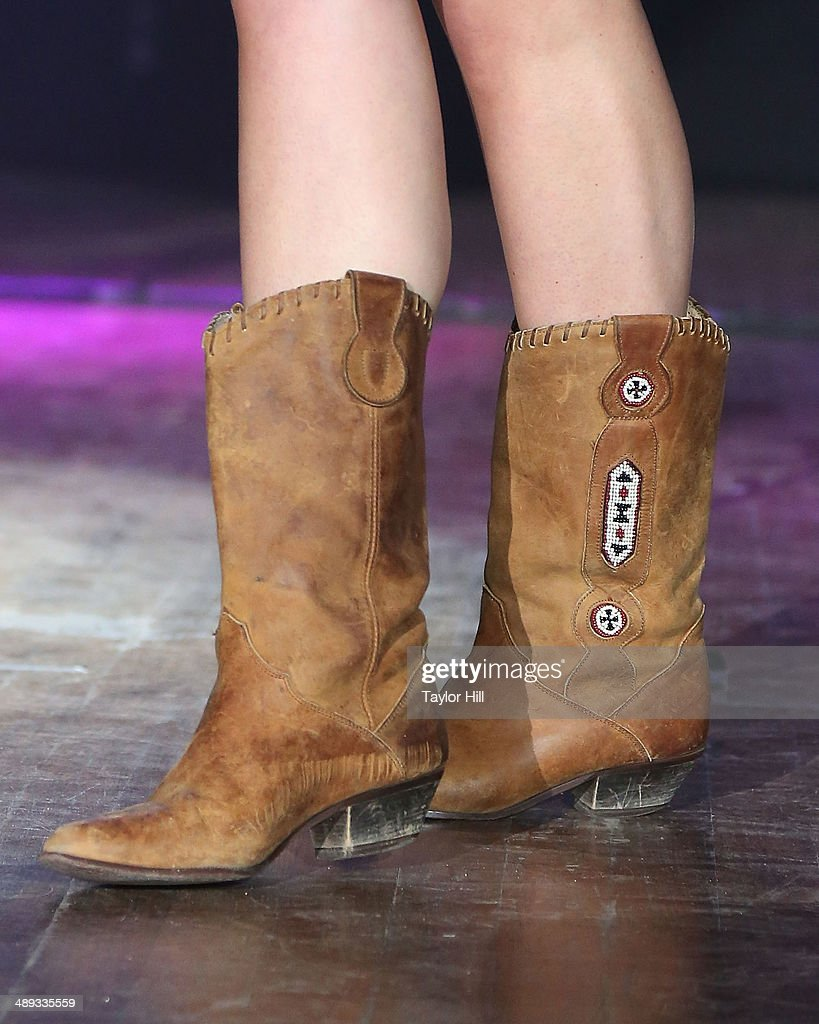 Musician Lana Del Rey (shoe detail) performs during the 2014 Sweetlife Music & Food Festival at Merriweather Post Pavillion on May 10, 2014 in Columbia, Maryland.