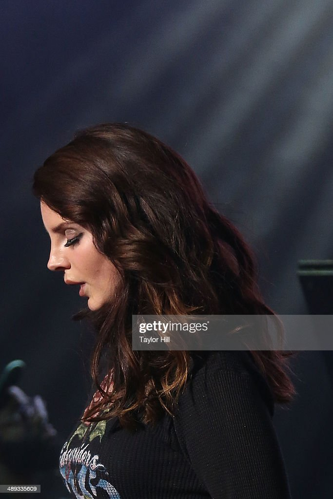 Musician Lana Del Rey performs during the 2014 Sweetlife Music & Food Festival at Merriweather Post Pavillion on May 10, 2014 in Columbia, Maryland.