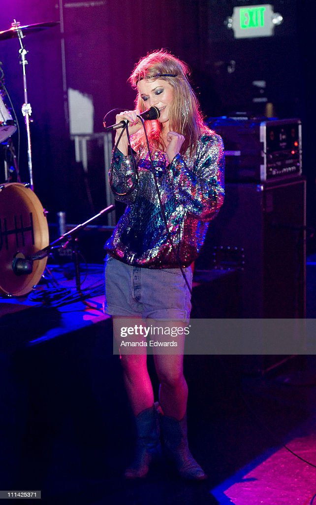 Musician <a gi-track='captionPersonalityLinkClicked' href=/galleries/search?phrase=Leisha+Hailey&family=editorial&specificpeople=240479 ng-click='$event.stopPropagation()'>Leisha Hailey</a> of Uh Huh Her performs onstage at The El Rey Theatre on April 1, 2011 in Los Angeles, California.