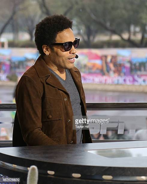 Musician Lenny Kravitz gives an interview on ESPN's SportsCenter at the network's Super Bowl XLIX set at Scottsdale Fashion Square Mall on January 30...