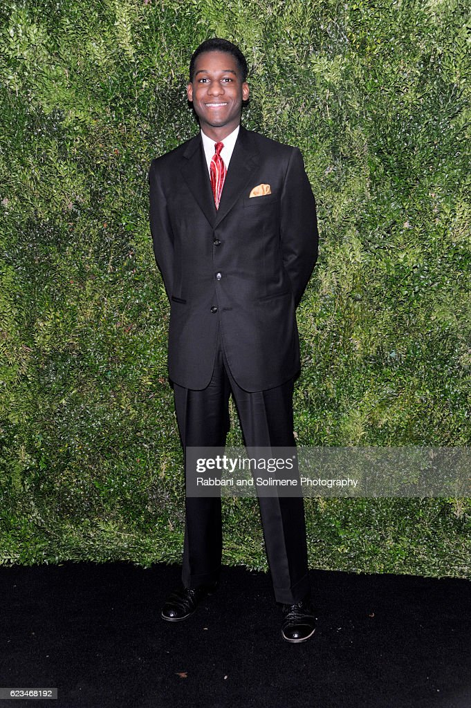 Musician Leon Bridges attends the 2016 Museum Of Modern Art Film Benefit presented by Chanel - A Tribute To Tom Hanks at Museum of Modern Art on November 15, 2016 in New York City.