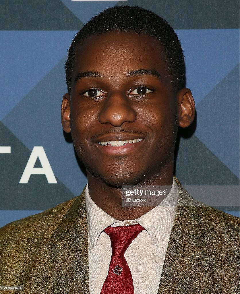 Musician <a gi-track='captionPersonalityLinkClicked' href=/galleries/search?phrase=Leon+Bridges&family=editorial&specificpeople=13870980 ng-click='$event.stopPropagation()'>Leon Bridges</a> attends the Delta Air Lines celebrates 2016 GRAMMY Weekend with 'Sites and Sounds' private performance with <a gi-track='captionPersonalityLinkClicked' href=/galleries/search?phrase=Leon+Bridges&family=editorial&specificpeople=13870980 ng-click='$event.stopPropagation()'>Leon Bridges</a> on February 12, 2016 in Hollywood, California.