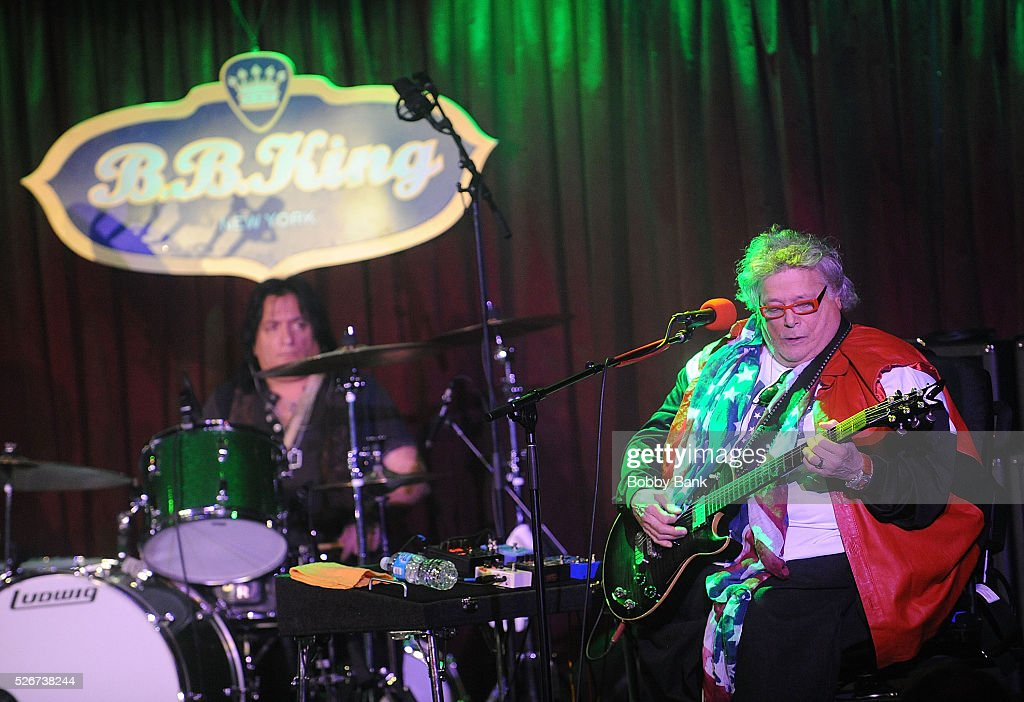 Musician Leslie West performs at B.B. King Blues Club & Grill on April 30, 2016 in New York City.