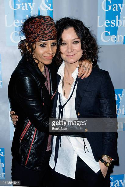 Musician Linda Perry and her girlfriend actress Sara Gilbert arrive at the LA Gay Lesbian Center's 'An Evening With Women' at The Beverly Hilton...