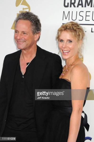 musician lindsey buckingham of fleetwood mac and wife