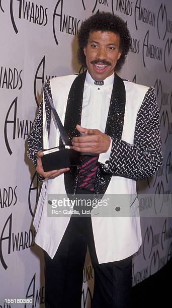 Musician Lionel Richie attends 12th Annual American Music Awards on January 28 1985 at the Shrine Auditorium in Los Angeles California