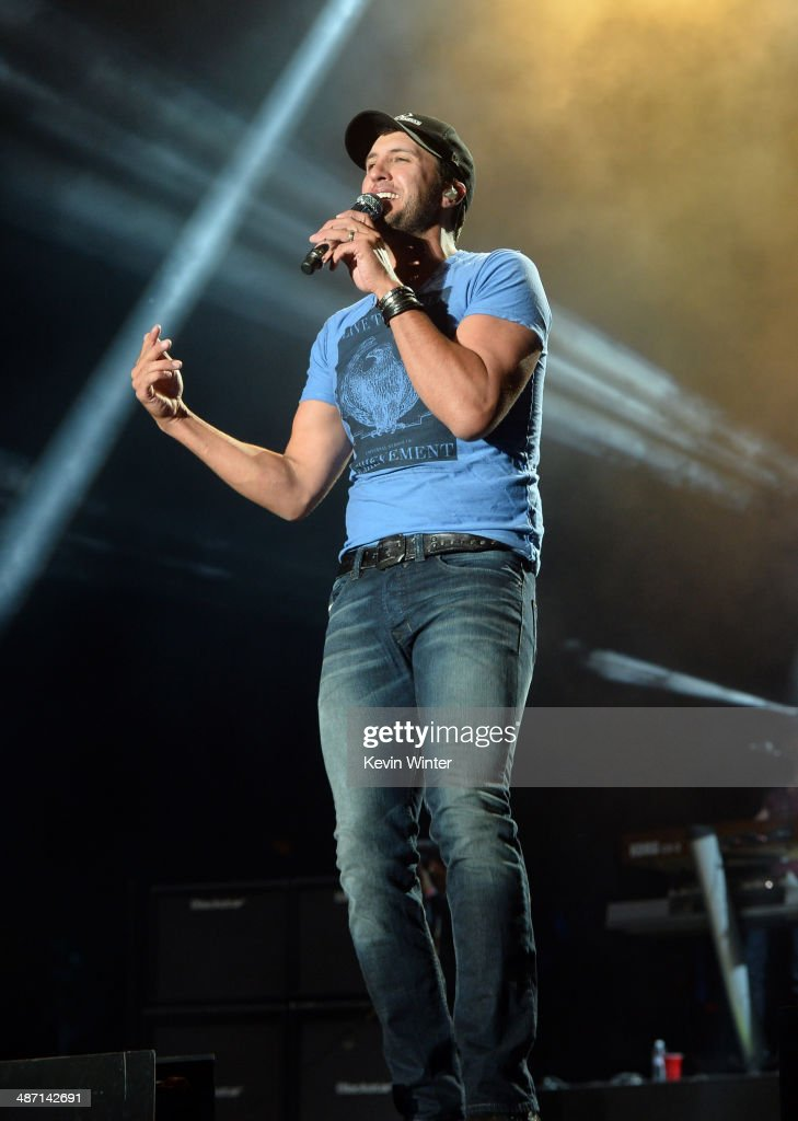 Musician <a gi-track='captionPersonalityLinkClicked' href=/galleries/search?phrase=Luke+Bryan&family=editorial&specificpeople=4001956 ng-click='$event.stopPropagation()'>Luke Bryan</a> performs onstage during day 3 of 2014 Stagecoach: California's Country Music Festival at the Empire Polo Club on April 27, 2014 in Indio, California.