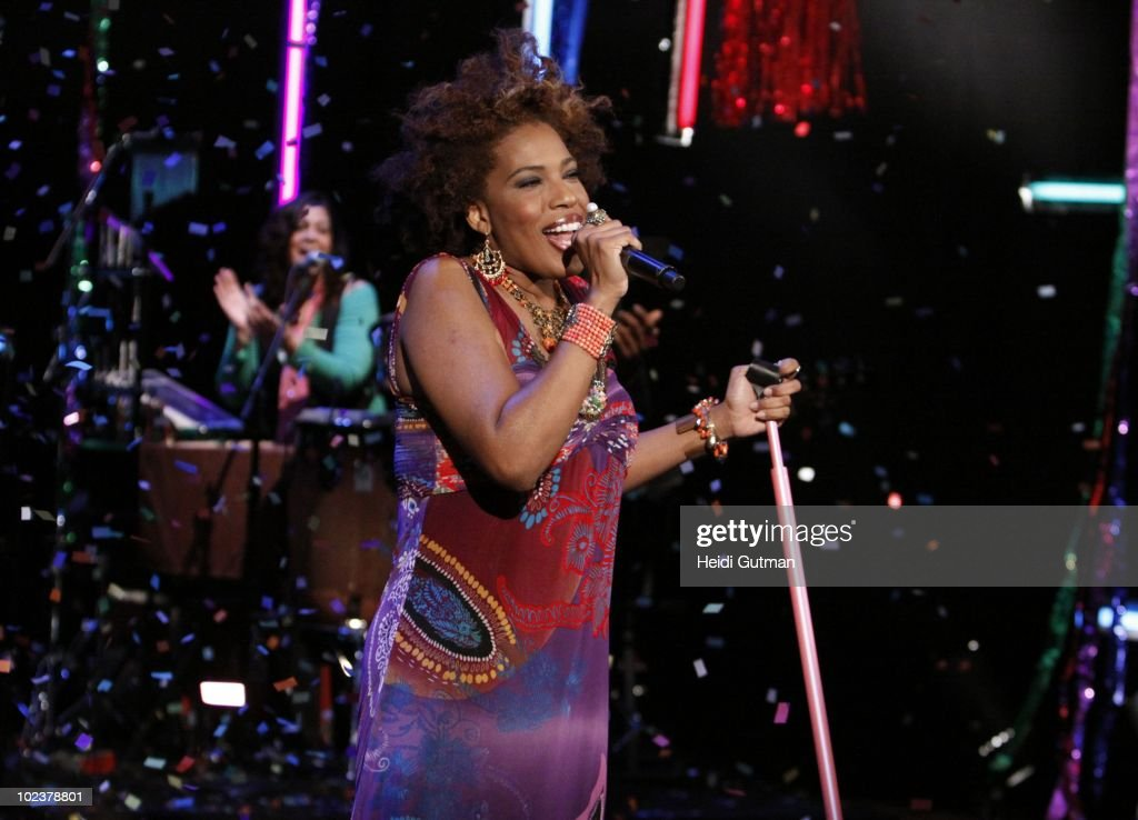 THE VIEW - Musician Macy Gray was the guest on 'THE VIEW,' Wednesday, June 23, 2010 (11:00 a.m. - 12:00 noon, ET) airing on the ABC Television Network. VW10 (Photo by Heidi Gutman/ABC via Getty Images) MACY
