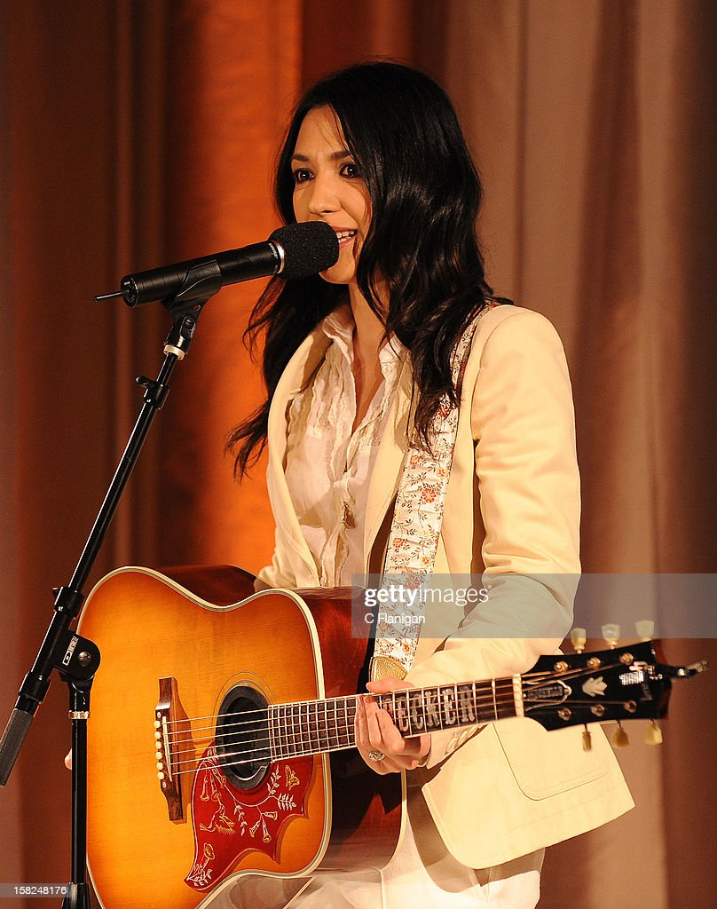 Musician <a gi-track='captionPersonalityLinkClicked' href=/galleries/search?phrase=Michelle+Branch&family=editorial&specificpeople=209165 ng-click='$event.stopPropagation()'>Michelle Branch</a> performs during the Global Green Gorgeous & Green Gala at The Bently Reserve on December 11, 2012 in San Francisco, California.