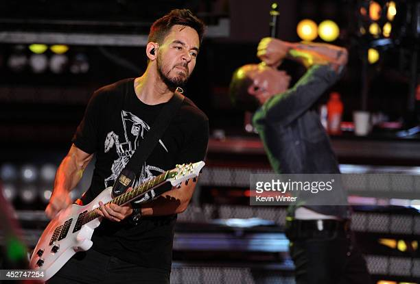 Musician Mike Shinoda and singer Chester Bennington of Linkin Park perform onstage during the MTVu Fandom Awards at ComicCon International 2014 at...