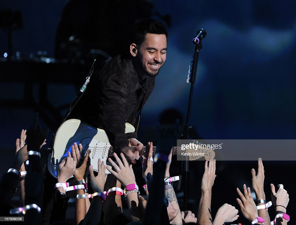 Musician <a gi-track='captionPersonalityLinkClicked' href=/galleries/search?phrase=Mike+Shinoda&family=editorial&specificpeople=657527 ng-click='$event.stopPropagation()'>Mike Shinoda</a> of Linkin Park onstage during Spike TV's 10th annual Video Game Awards at Sony Studios on December 7, 2012 in Culver City, California.