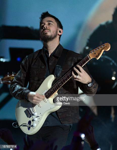 Musician Mike Shinoda of Linkin Park performs onstage during Spike TV's 10th annual Video Game Awards at Sony Studios on December 7 2012 in Culver...