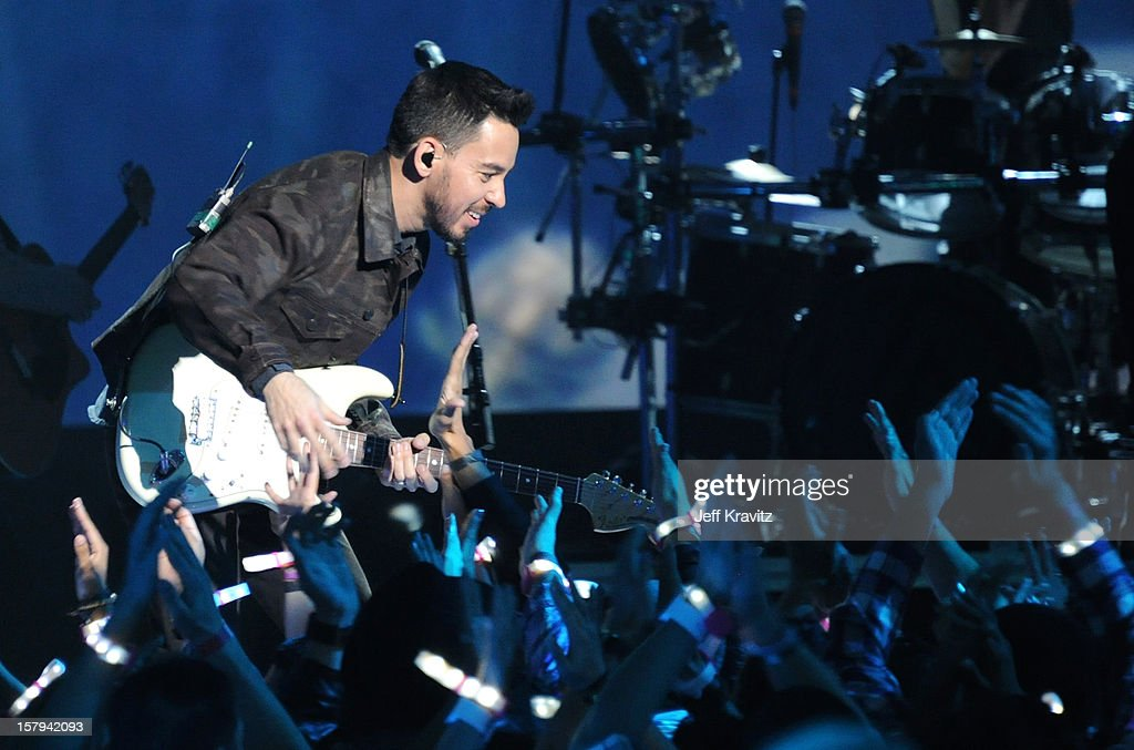 Musician <a gi-track='captionPersonalityLinkClicked' href=/galleries/search?phrase=Mike+Shinoda&family=editorial&specificpeople=657527 ng-click='$event.stopPropagation()'>Mike Shinoda</a> of Linkin Park performs onstage during Spike TV's 10th annual Video Game Awards at Sony Pictures Studios on December 7, 2012 in Culver City, California.