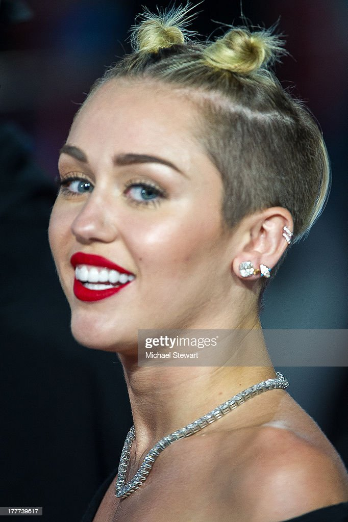 Musician <a gi-track='captionPersonalityLinkClicked' href=/galleries/search?phrase=Miley+Cyrus&family=editorial&specificpeople=3973523 ng-click='$event.stopPropagation()'>Miley Cyrus</a> attends the 2013 MTV Video Music Awards at the Barclays Center on August 25, 2013 in the Brooklyn borough of New York City.