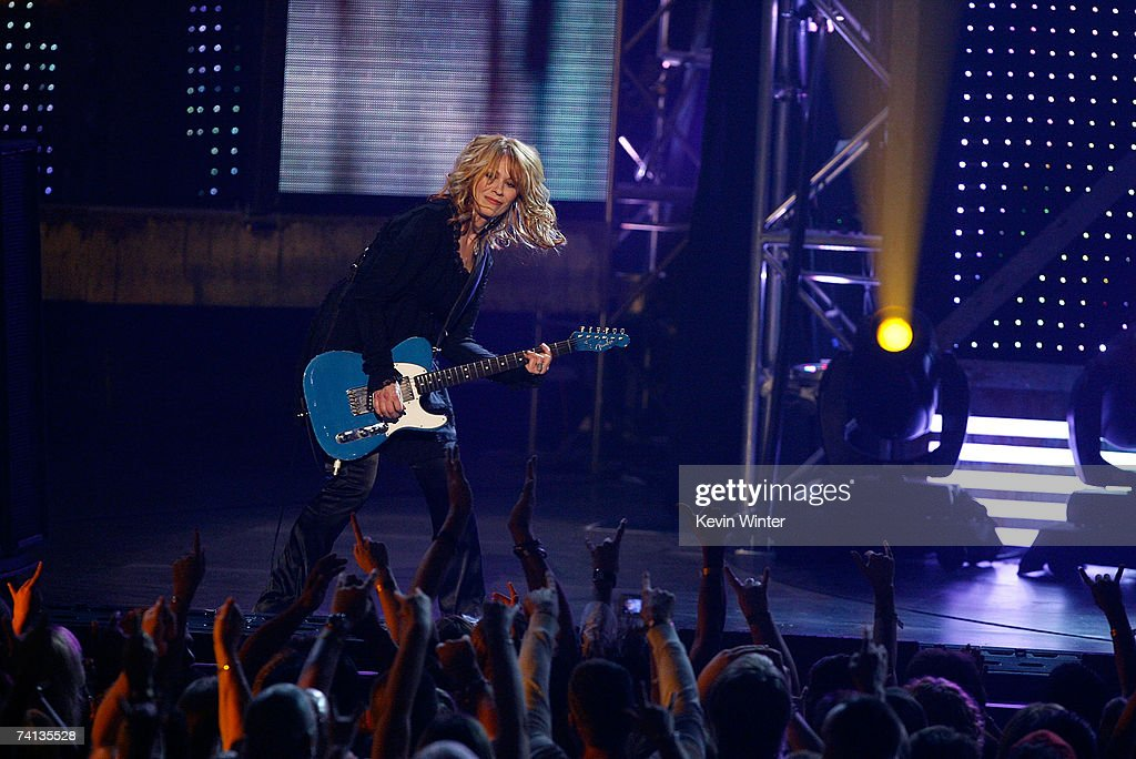 Musician Nancy Wilson from the band Heart performs onstage during the 2nd annual VH1 Rock Honors held at the Mandalay Bay Events Center on May 12...