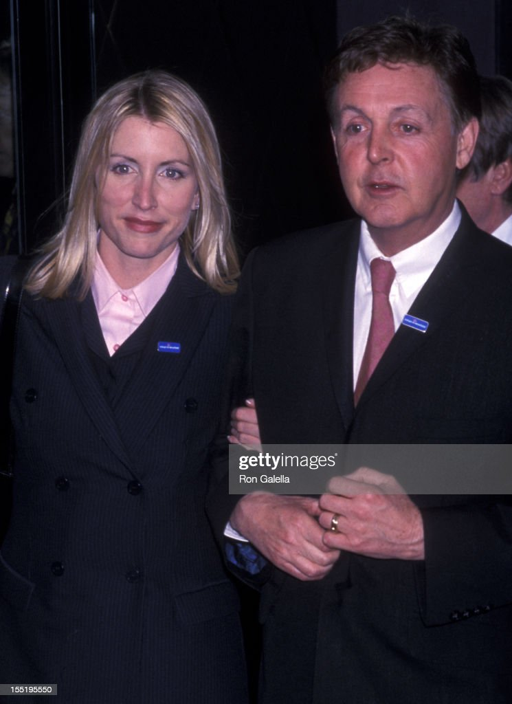 Musician Paul McCartney and wife <a gi-track='captionPersonalityLinkClicked' href=/galleries/search?phrase=Heather+Mills&family=editorial&specificpeople=213766 ng-click='$event.stopPropagation()'>Heather Mills</a> attend Adopt A Minefield Benefit Gala Honoring Paul McCartney on April 20, 2001 at W. Tuscany Hotel in New York City.